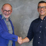 Carl Fruth (l.) welcomes Simone Casella as representative of FIT Additive Manufacturing Group in Italy